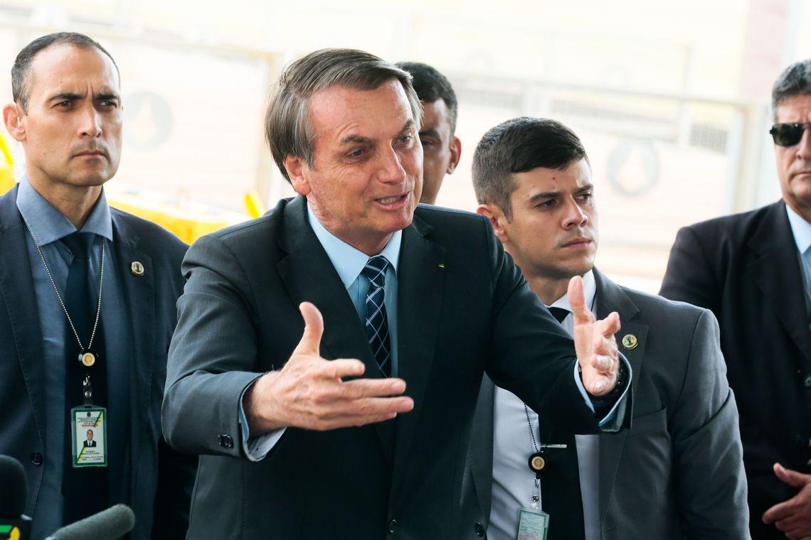 Bolsonaro pede revogação de medida que exclui atividades de MEI