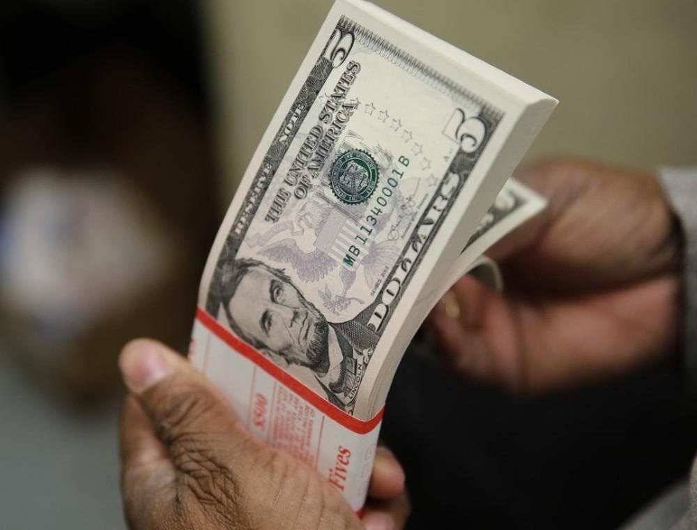 Dólar fecha em R$ 5,41 o maior valor desde novembro