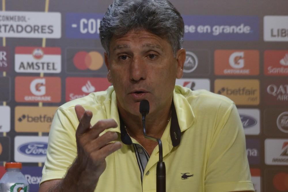 """Renato diz que não tem """"time de freiras"""", mas classifica Gre-Nal de """"vergonhoso"""" após briga"""
