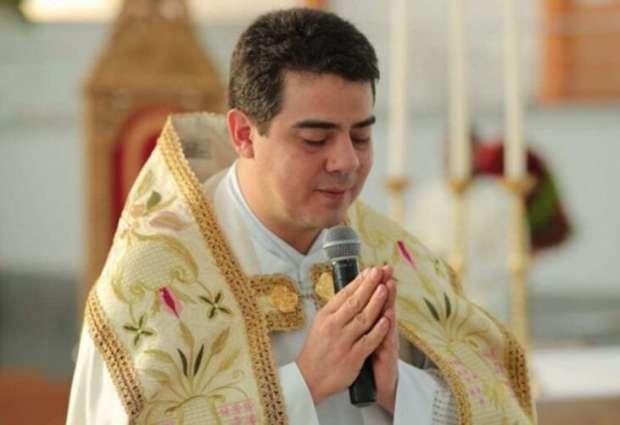 Padre é suspeito de desviar R$ 60 milhões doados por fiéis de igreja