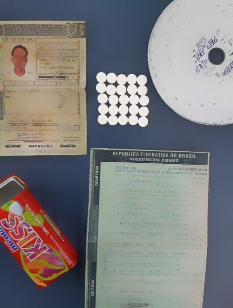 Motorista é pego em fiscalização da PRF com mais de 60 comprimidos de Anfetamina