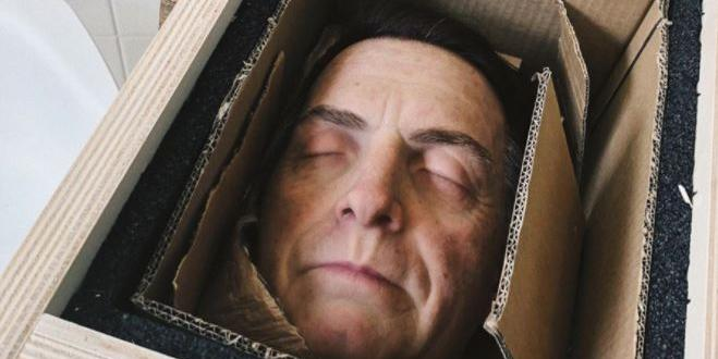 Empresa anuncia 'cabeça decapitada' de Bolsonaro como 'novo produto'