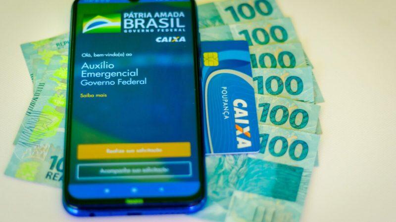Quase 300 emendas para volta do valor de R$ 600 do auxílio emergencial