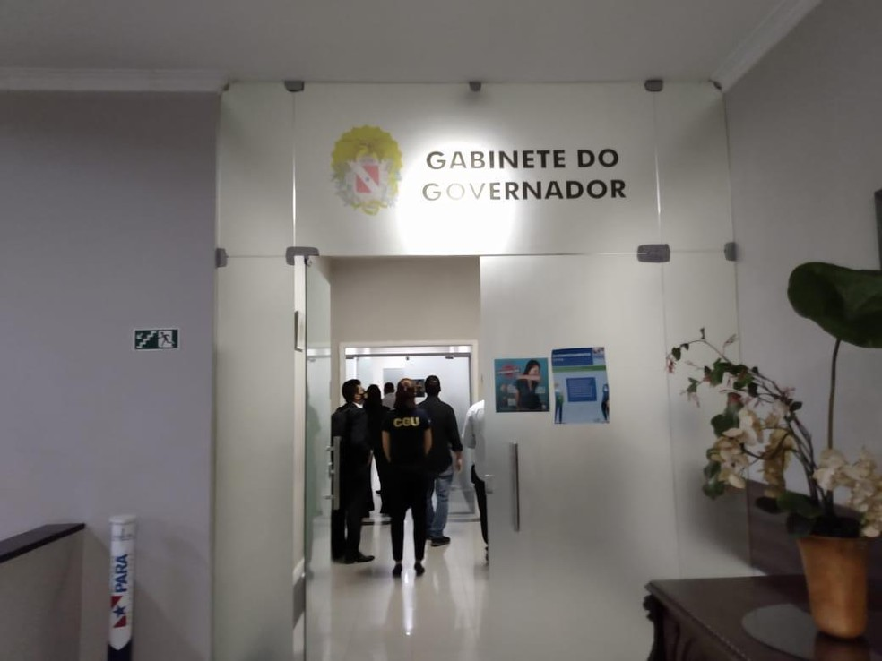 PF prende secretários e assessor de Helder Barbalho em operação sobre desvios de recursos da Saúde
