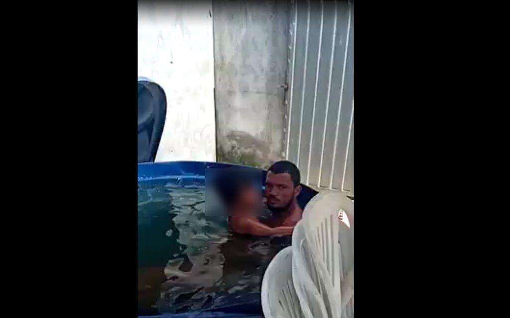 Vídeo flagra o momento em que homem abusa de criança em caixa d'água