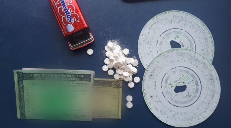 A PRF apreende mais de 40 comprimidos de anfetaminas em Santa Maria do Pará