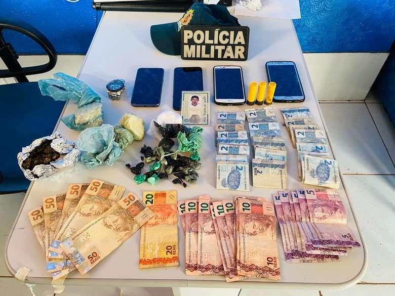 Polícia flagra joalheria funcionando como ponto de vendas de drogas
