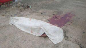 Mulher mata adolescente de 17 anos a facadas