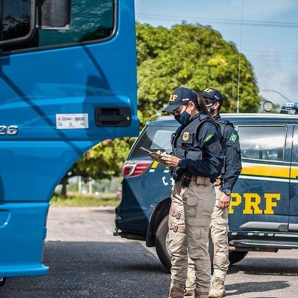 Em Marabá (PA), a PRF prendeu um condutor por porte ilegal de drogas.