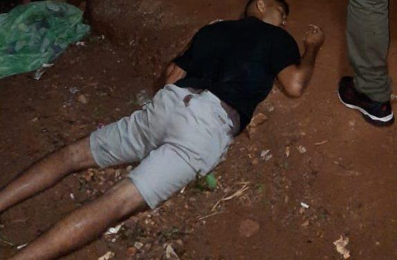 Jovem é morto e criança é baleada, em Parauapebas