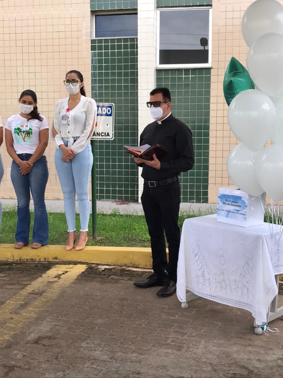 Em alusão ao Dia da Saudade, hospital homenageia vítimas da pandemia