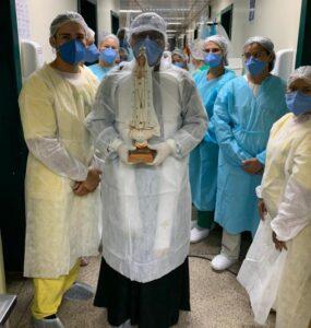 Dia Mundial do Enfermo: Pacientes com Covid-19 recebem benção de proteção