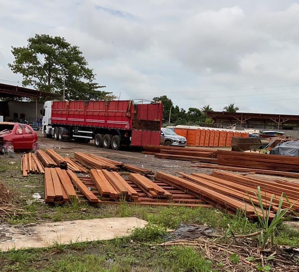 Prefeitura de Marabá manda devolver madeira apreendida pela PRF na BR-230