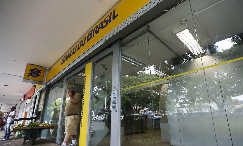 Bancos retornam com atendimento após carnaval