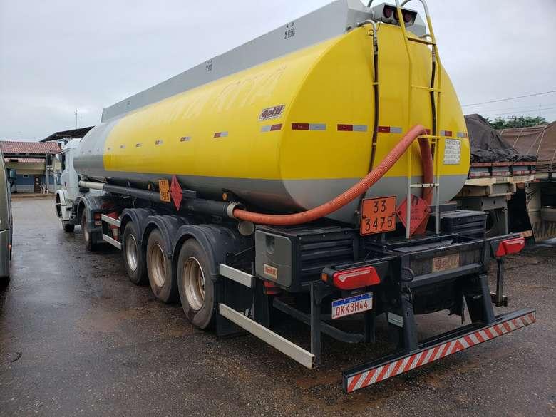 Caminhão com 15 mil litros de combustível clandestino é apreendido no sudeste do Pará