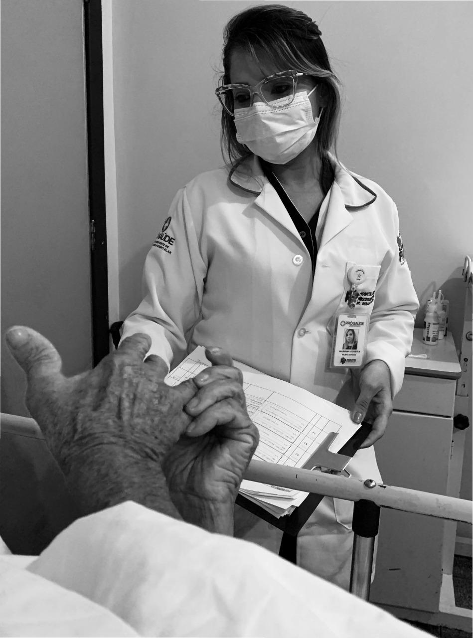 Com exposição fotográfica, Regional do Sudeste do Pará apresenta as mulheres que atuam na assistência ao paciente